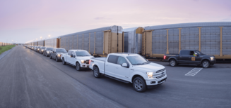 Ford dévoile un prototype 100% électrique de son pick-up F-150, capable de tracter plus de 500 tonnes