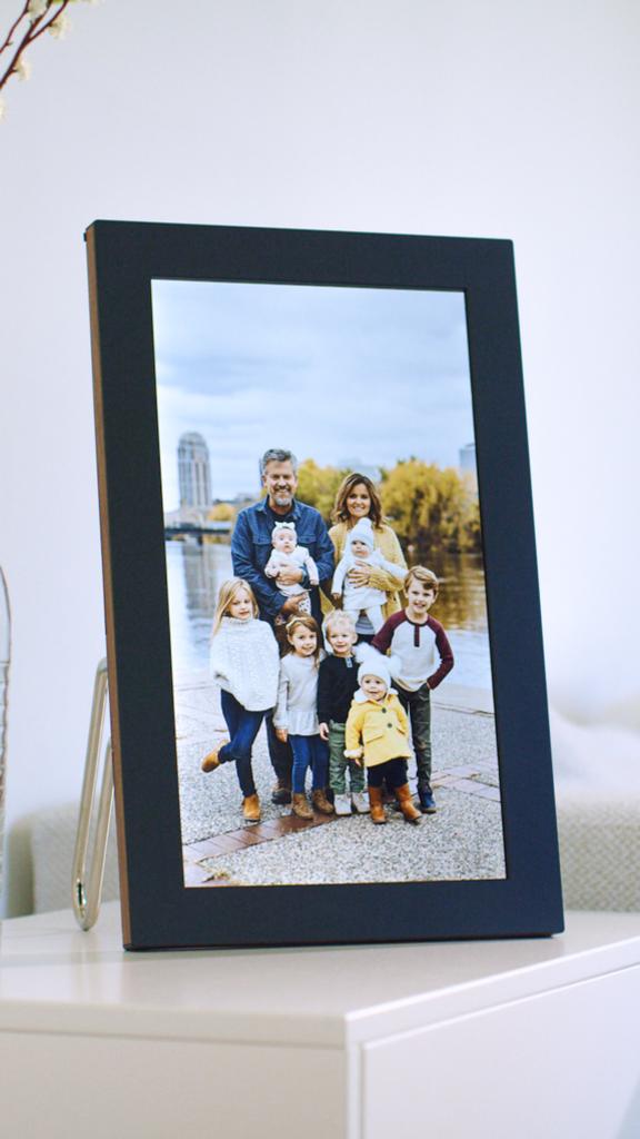 Offrez de jolis souvenirs avec le Cadre Photo Connecté Meural de Netgear